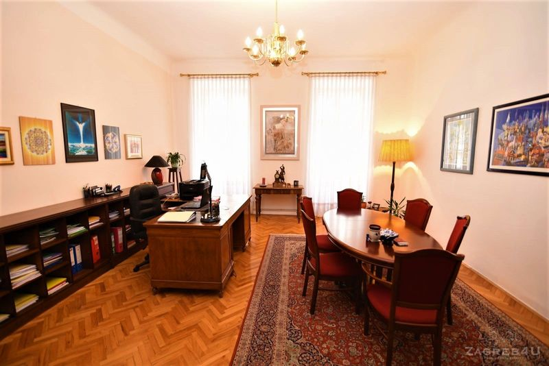 Reprezentativni ured u najstrožem centru Zagreba (130 m2) 4 prostorije