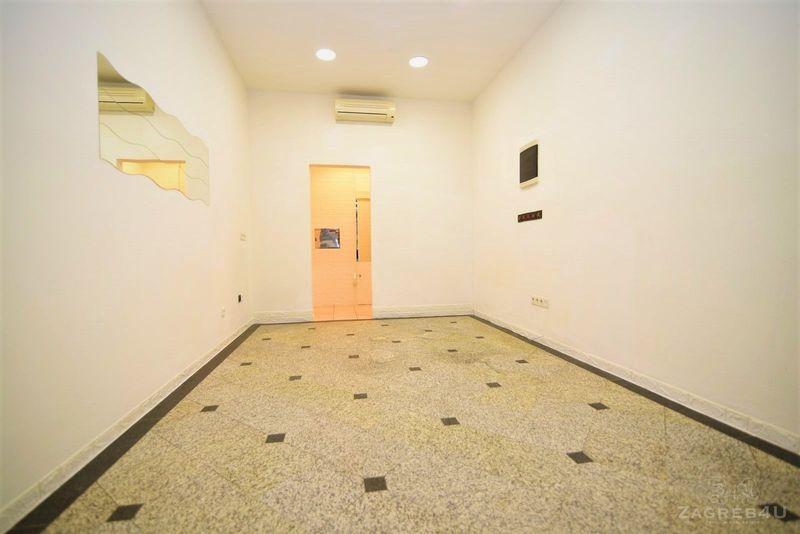 Lokal (21m2) na frekventnoj lokaciji na jarunskom placu - 2 prostorije