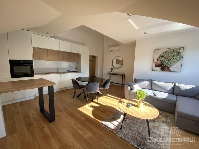 Atraktivan četverosoban stan 93 m2 na odličnoj lokaciji Trnje