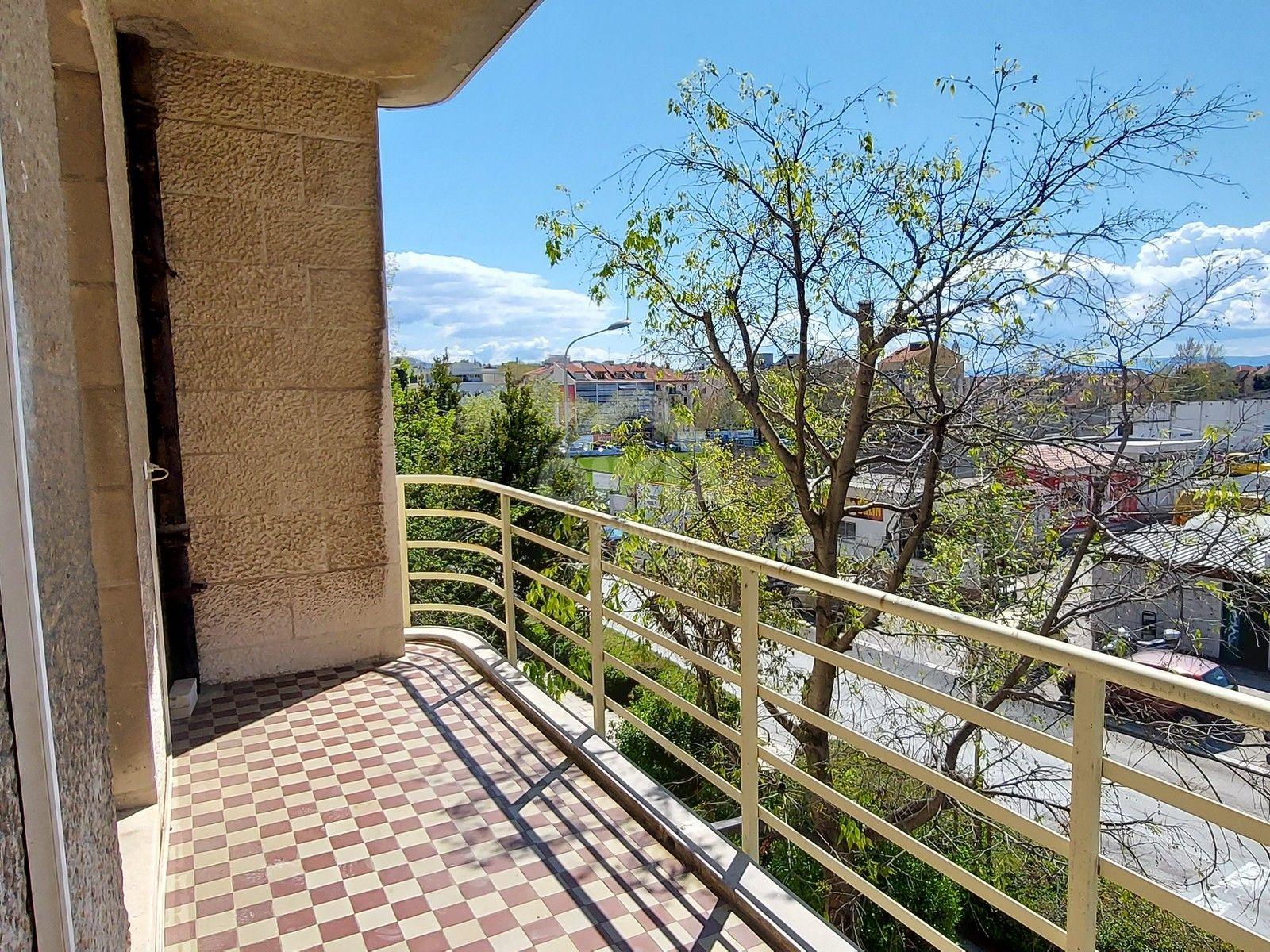 Dugoročni najam stana 150m2 - Split, Matoševa