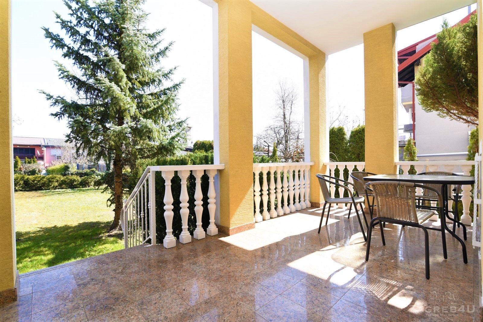 Zagreb - Maksimir - kuća za najam (350 m2) + garaža + vrt - Bukovačka