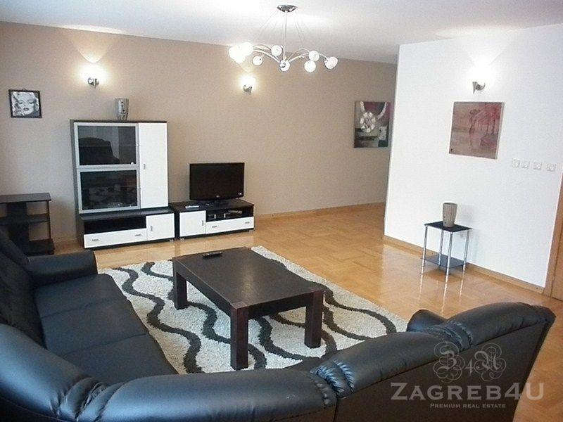 Odličan dvoetažni stan 170 m2 sa tri parkirna mjesta Gračanska cesta