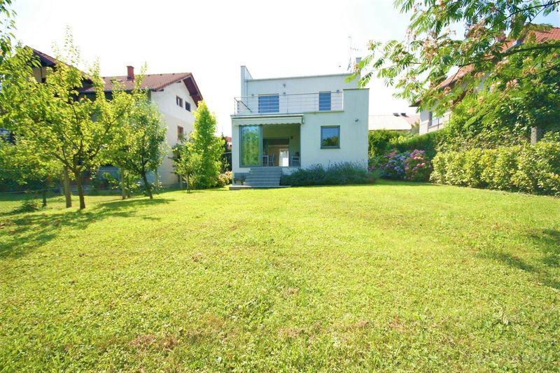 Prekrasna 3-etažna kuća (268 m2) sa velikim vrtom i garažom - Maksimir