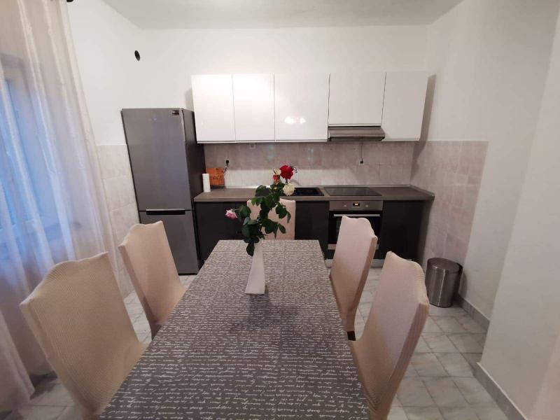 Stan, 80 m2, Split, Dragovode