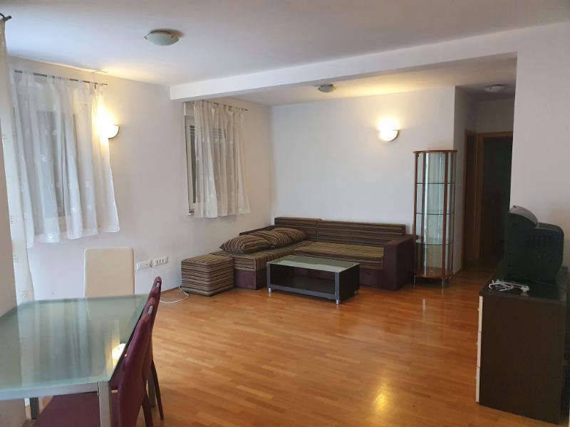 Stan, 55 m2, 380 EUR/mj, Split, Sućidar