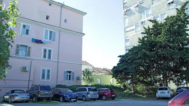 Stan, 32 m2, 300 EUR/mj, Split, Manuš