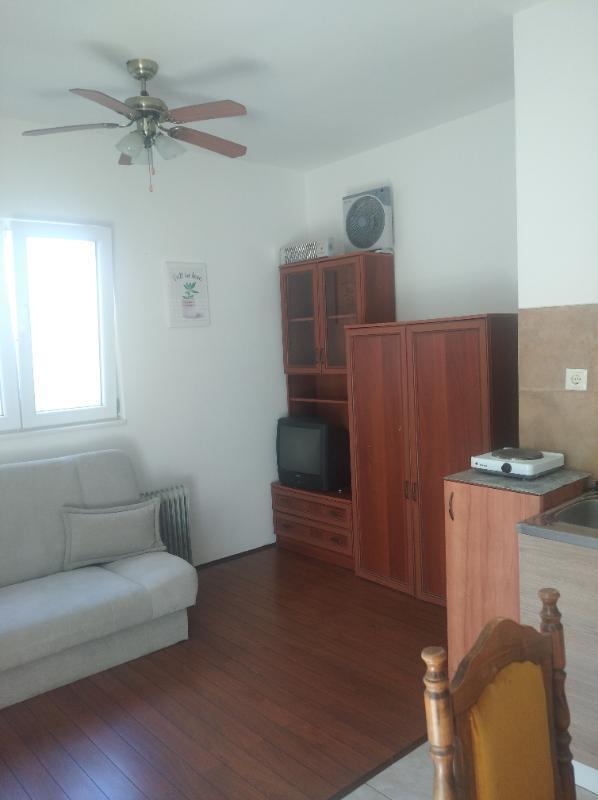 Stan, 22 m2, Split, Pujanke