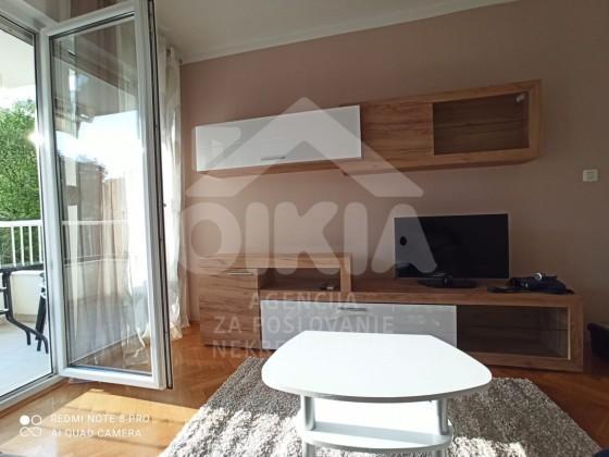 Stan, 43 m2, 450 EUR/mj, Split, Žnjan