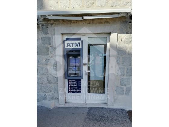 Poslovni prostor, 20 m2, 500 EUR/mj, Split, Grad