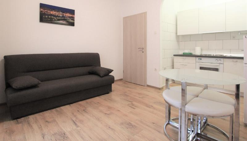 Stan, 55 m2, 500 EUR/mj, Rijeka, Brajda