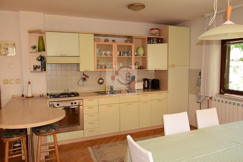 Kuća, 120 m2, 500 EUR/mj, Varaždin, Jalkovečka