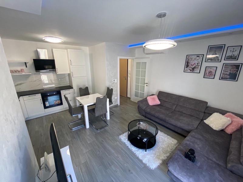 Stan, 40 m2, 400 EUR/mj, Solin, Japirko
