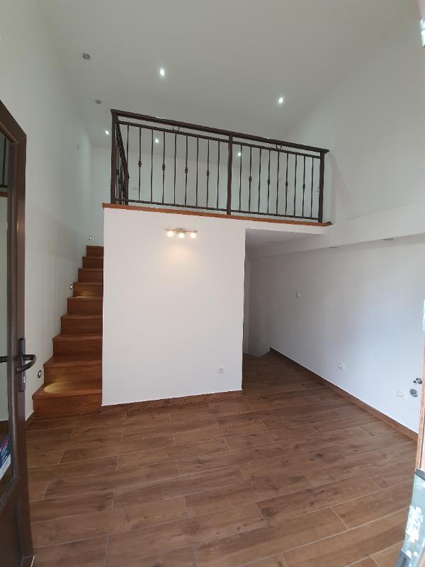 Poslovni prostor, 45 m2, 800 EUR/mj, Split, Grad