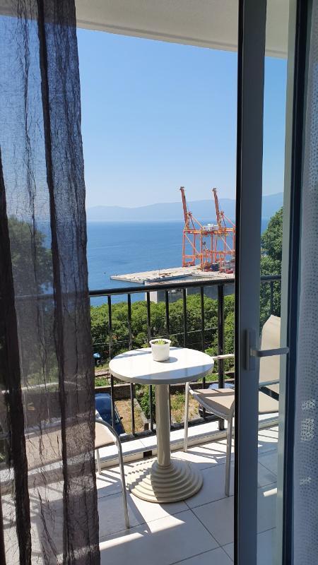 Stan, 65 m2, 700 EUR/mj, Rijeka, Krimeja
