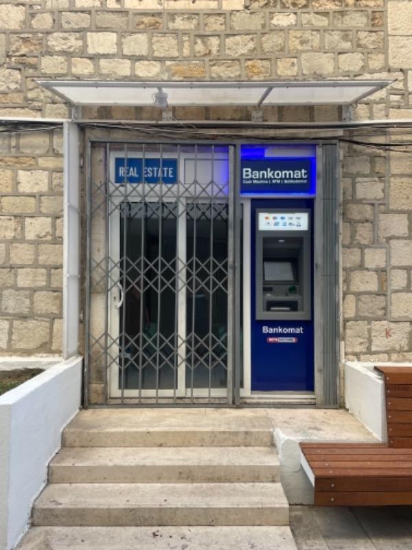 Poslovni prostor, 13 m2, 350 EUR/mj, Split, Grad