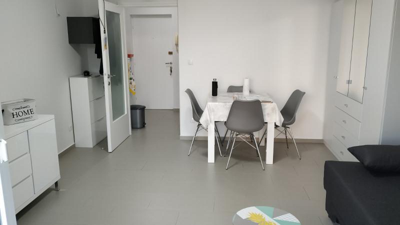 Stan, 30 m2, 290 EUR/mj, Rijeka, Zamet