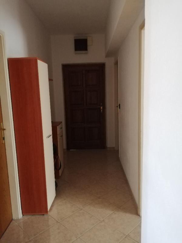Stan, 40 m2, 300 EUR/mj, Split, Pujanke