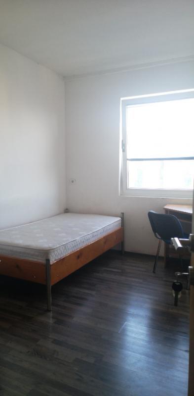 Soba, 15 m2, 170 EUR/mj, Split, Brodarica